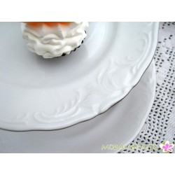 klassisch-elegante Porzellan-Etagere