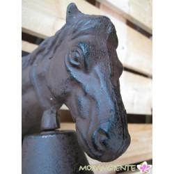 Pferdekopf mit Glocke aus Gusseisen
