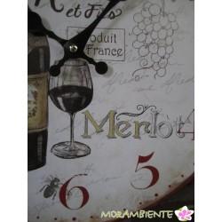 Nostalgische Wanduhr mit Motiven um Wein und Oliven