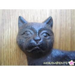 Katze mit Glocke aus Gusseisen