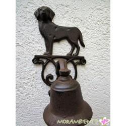 Hund mit Glocke aus Gusseisen