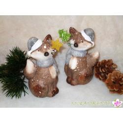 Keramik-Fuchs  mit Schal und Mütze