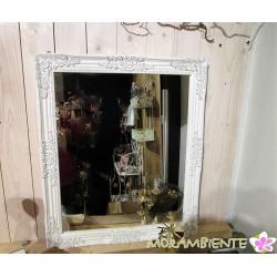 Spiegel mit Fensterläden im Antik-Look