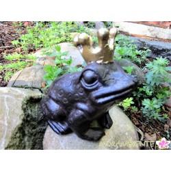Froschkönig aus Gusseisen