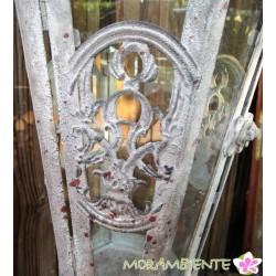 Hängende Laterne aus Metall im Antik-Look