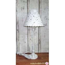 """weiße Tischlampe """"Sterne"""" mit Metallschirm im shabby-Stil"""