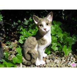 Lebensgroße, sitzende Katze
