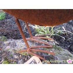 Hahn und Henne aus Metall mit Rost-Oberfläche