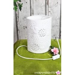 Edle Tischlampe  aus weißem Porzellan