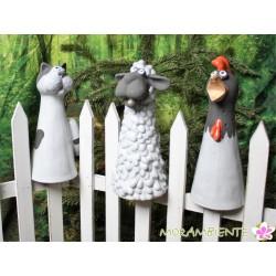 Zaunhocker, Beetfiguren aus Keramik: Schaf, Huhn und Katze