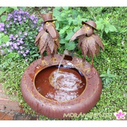 """Wasserbecken -brunnen mit Wasserspeiern """"Raben"""""""