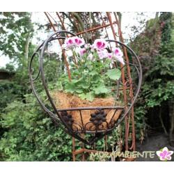 Blumenampel aus dunkelbraunem Metall in Herzform